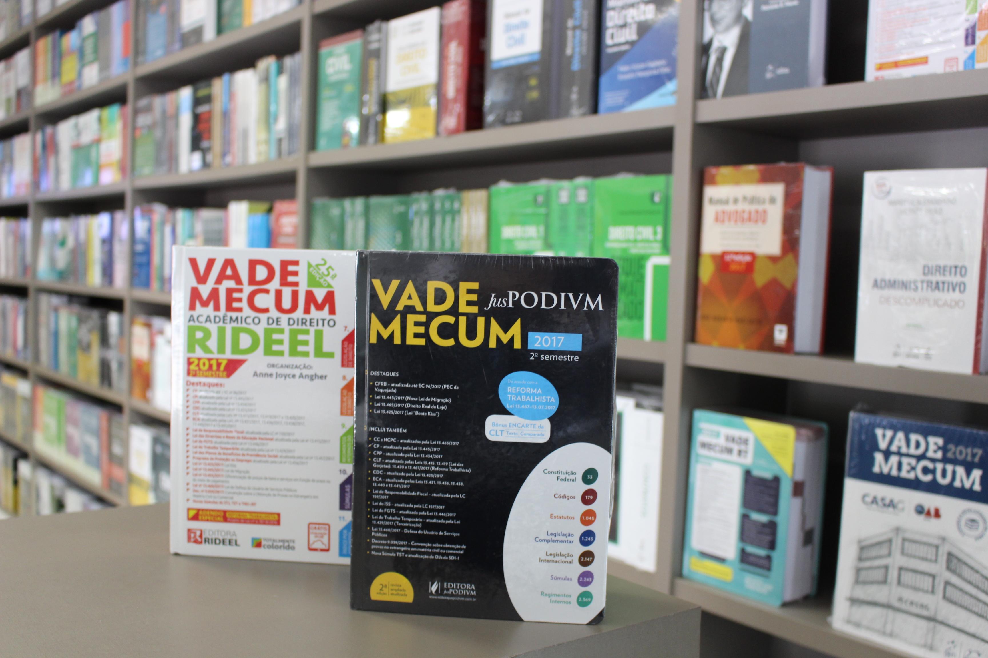 Vade Mecum com atualização sobre reforma trabalhista 3728007685